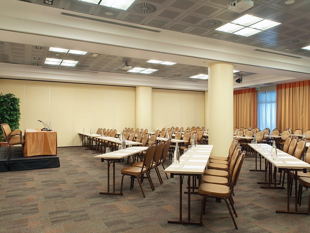 Mediterraneo Hotel Conference Room