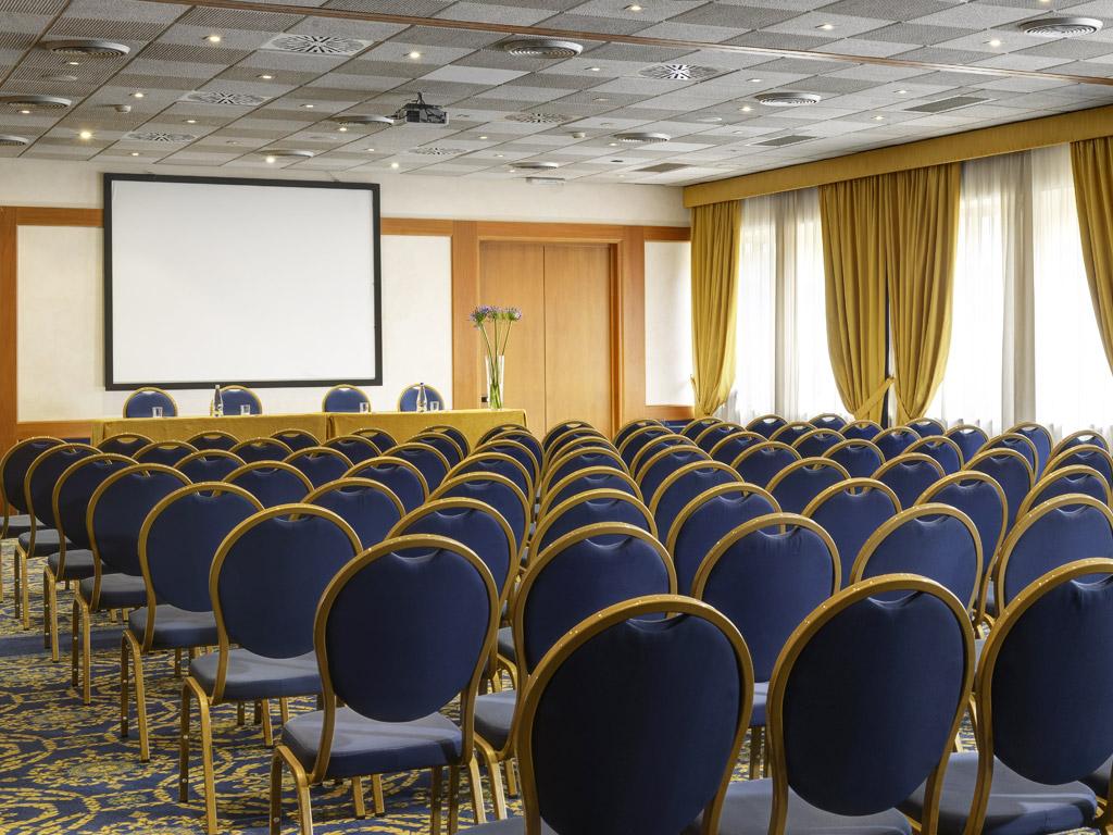 Sale Riunioni Firenze : Le sale meeting di fh e globo centro congressi per i tuoi eventi