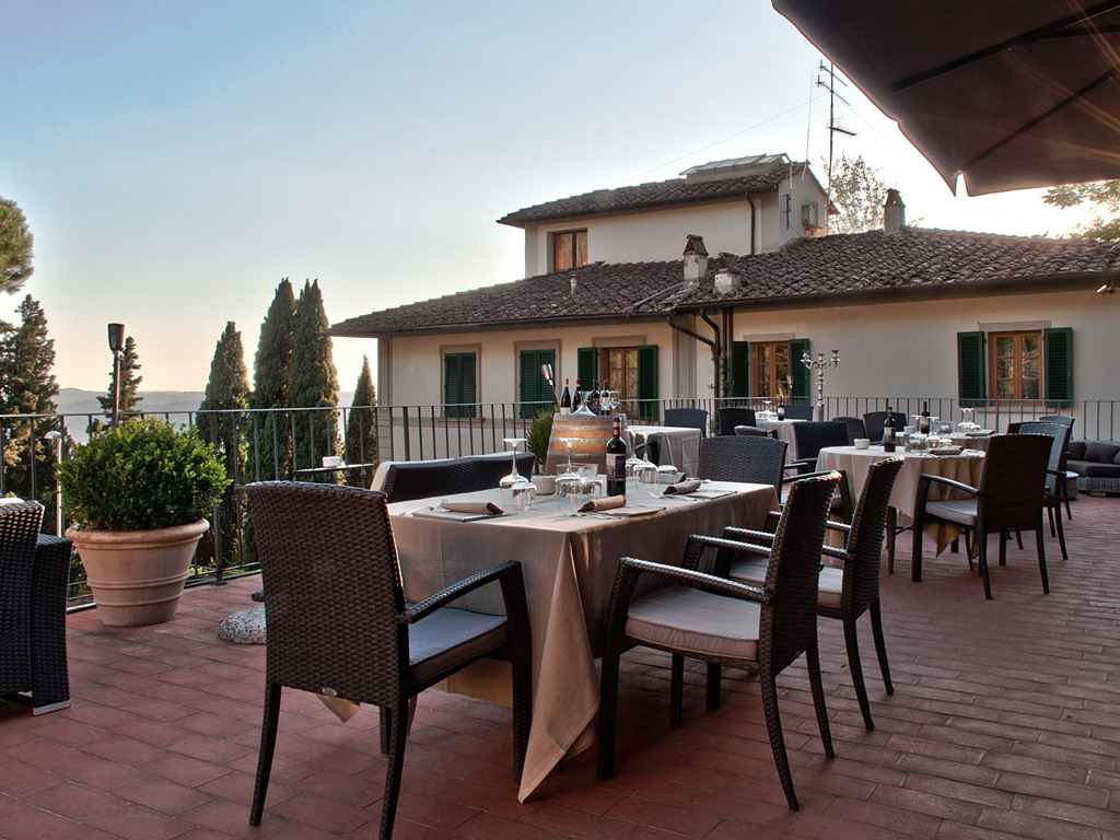 Villa Fiesole Has A Unique Panoramic Restaurant Find Out More
