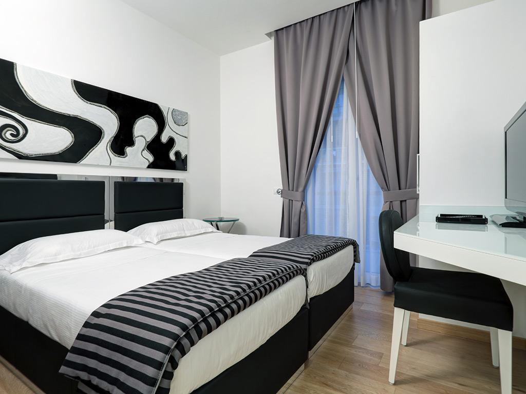 Hotel river firenze appartamenti vacanze a firenze for Appartamenti firenze