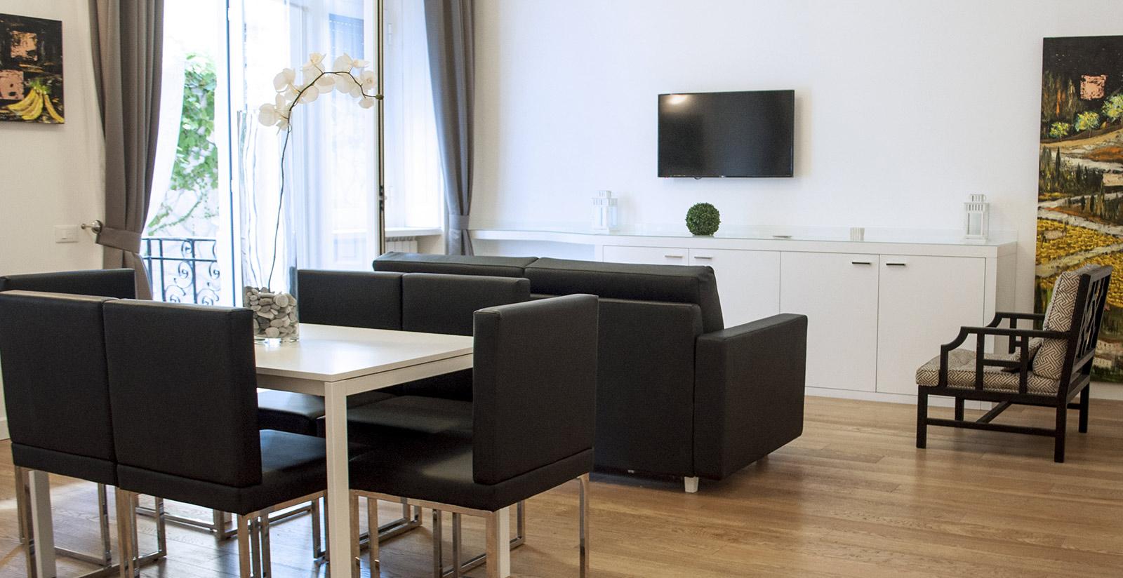 Lhp suites napoli appartamenti vacanze napoli for Appartamenti napoli