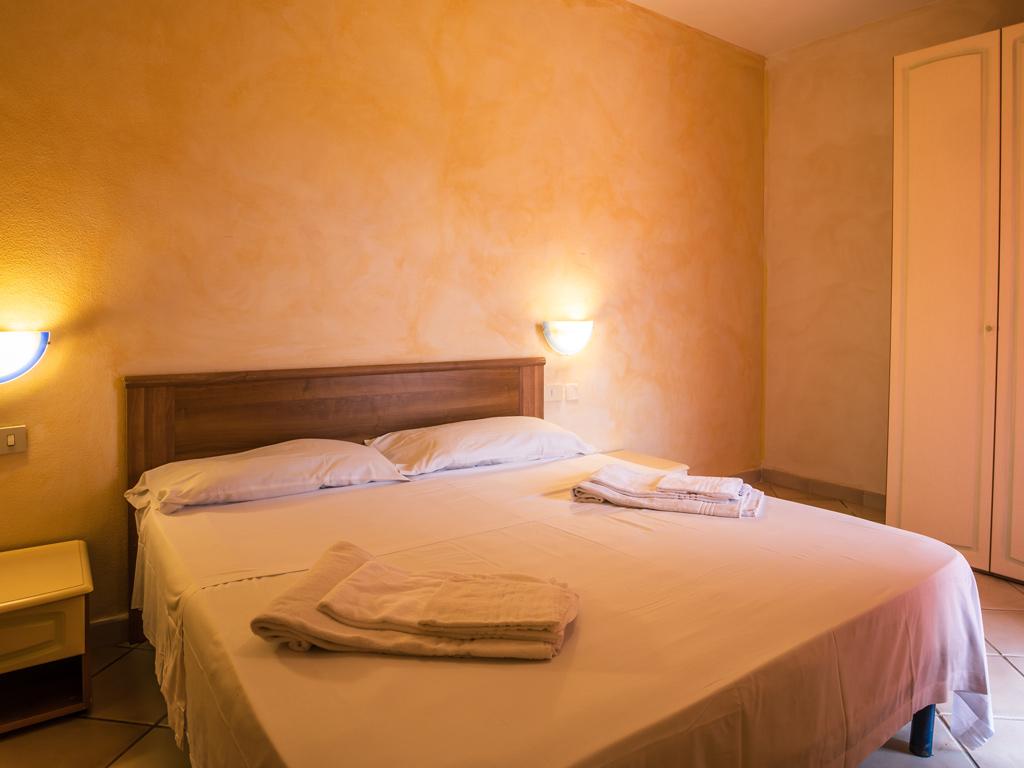 Divano Letto Matrimoniale 4 Posti.Lu Lamoni Appartamento Per Vacanze Romantiche A Vignola Mare Sardegna