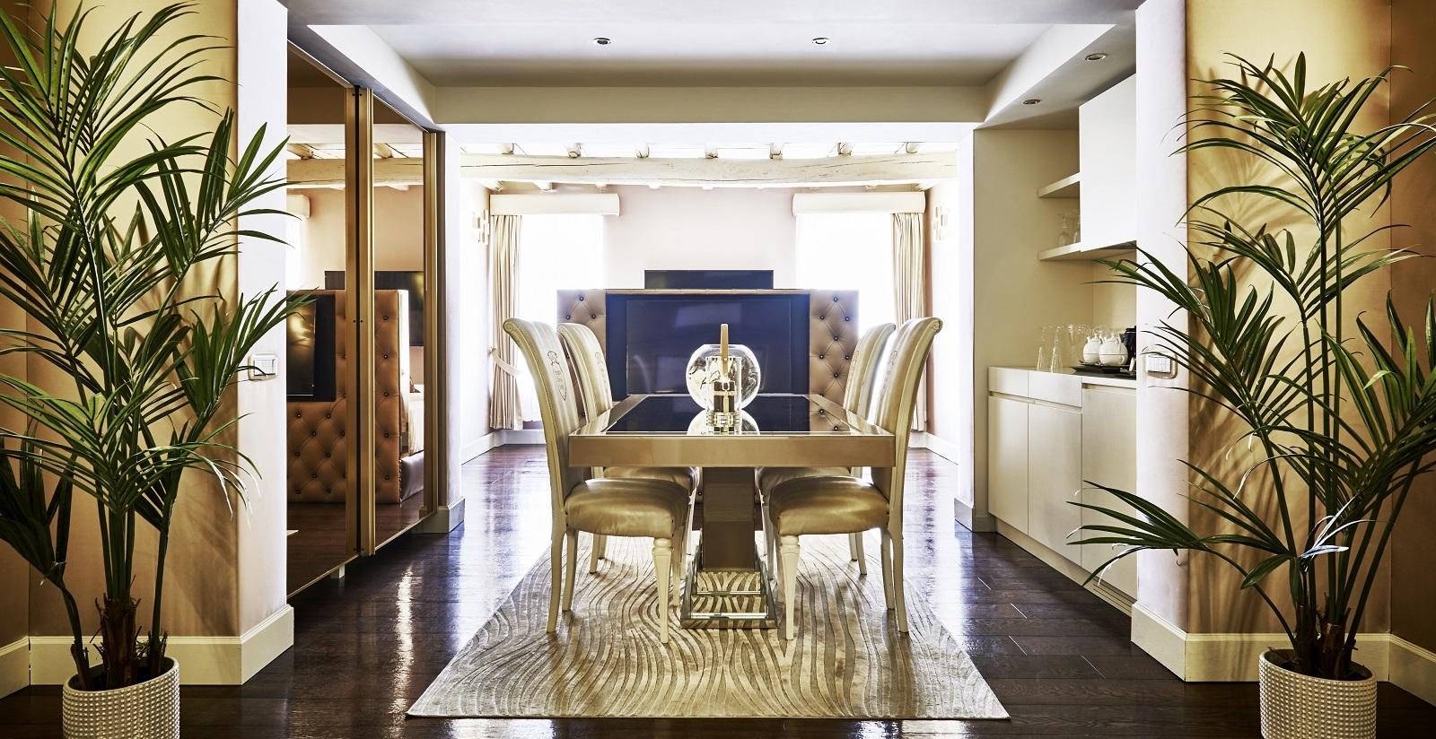 Brilliant Choose The Royal Suite For The Maximum Comfort At Spagna Frankydiablos Diy Chair Ideas Frankydiabloscom