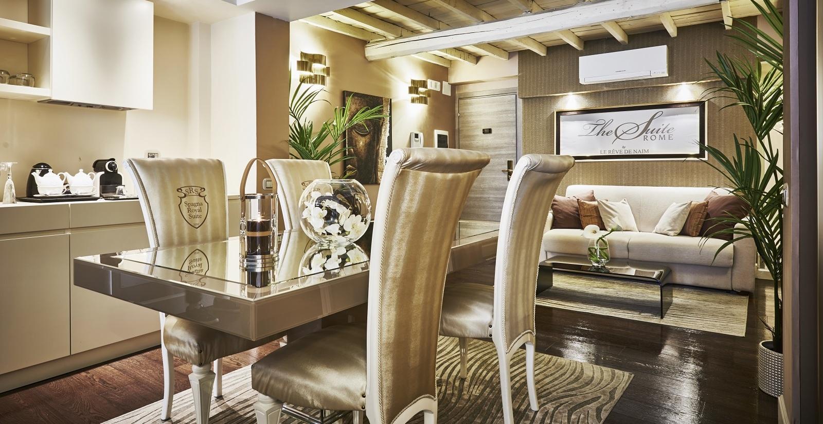 Stupendous Choose The Royal Suite For The Maximum Comfort At Spagna Frankydiablos Diy Chair Ideas Frankydiabloscom